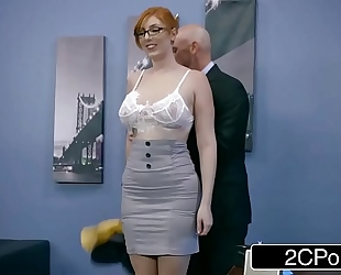 Ginger bimbo lauren phillips receives pounded at work
