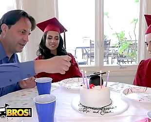 Bangbros - juan el caballo loco copulates his step sister jynx maze on graduation day