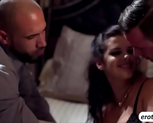 Hot jessy jones in a astounding 3some with keisha grey