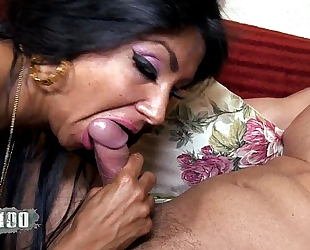 Ivannah (french milf) - two knob for a bushy vagina