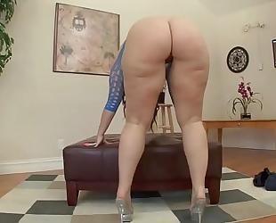 Brunette likes anal - gorlpornvideos.com