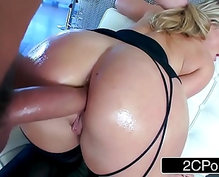 Aj applegate and her ideal butt