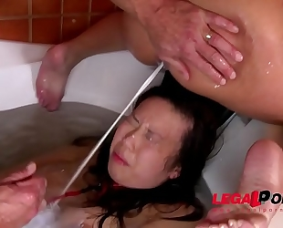 Submissive floozy tigerr benson roughed up & abased in bathroom tub gp013