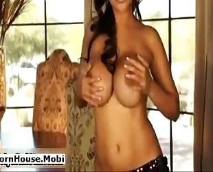 Priya rai undress show(pornhouse.mobi)