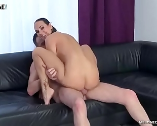 Male pornstar try to receive mea melone and cum in her face hole
