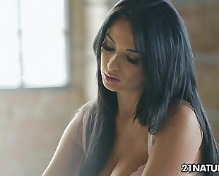 Voluptuous anissa kate's ardent time alone