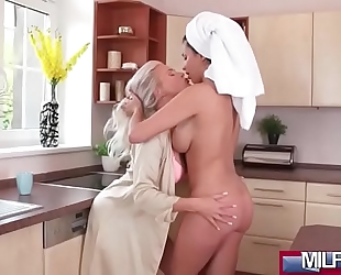 Busty older lesbos slit eating(anissa kate & kathy anderson) 01 clip-07