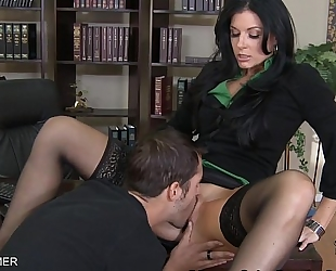 Brunette india summer fuck a large prick