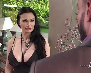 Aletta ocean takes it in the booty - alettaoceanlive