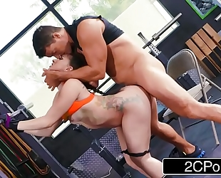 Perfect booty mandy muse loves to squat and anal