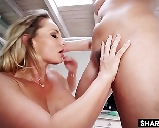Nubile cali carter sharing her bf with mia malkova