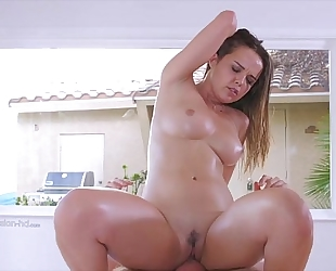 Beauty white bitch receives fuck - girlssexycam.com