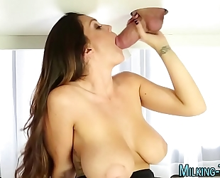 Hot masseuse gulps cum