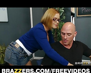 Horny school librarian gets slammed on her desk by big-dick