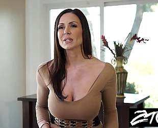 Kendra lust is a big arse milf who can not live out of big cock